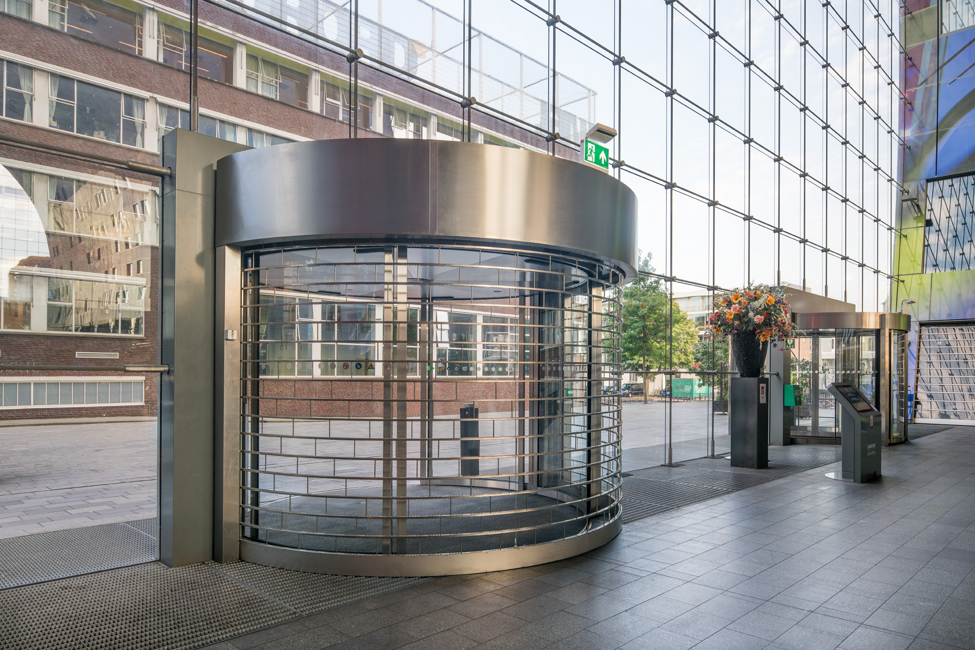 retractable security grilles for your business